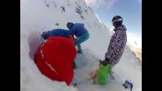 Lavína na Chopku zmietla lyžiara, prežil vďaka vaku, 10.2.2014