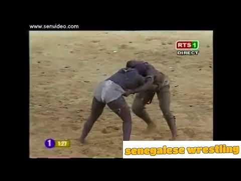 Senegalese Wrestling : Tafa Tine vs Thiek