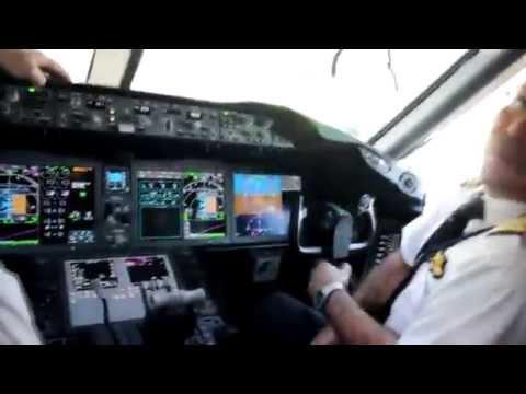 Royal Jordanian Airlines Boeing 787 Dreamliner Promotional Flight (OJAI OJAQ)