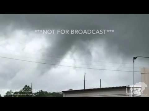 06-22-2017 Birmingham, AL - Close Video Of A Damaging Tornado