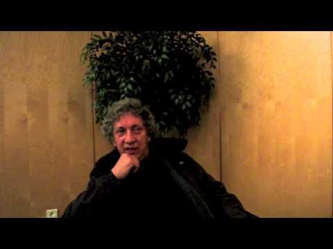 La felicità, questa sconosciuta: Eugenio Bennato, musicista