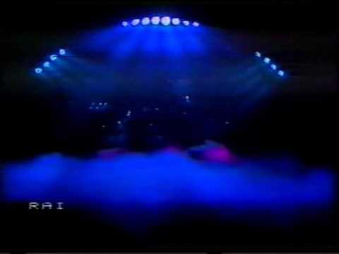 Pooh - Siamo tutti come noi (live Palasport 1982)