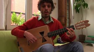 Lutherie sauvage - guitare noeud papillon de Pascal Ayerbe