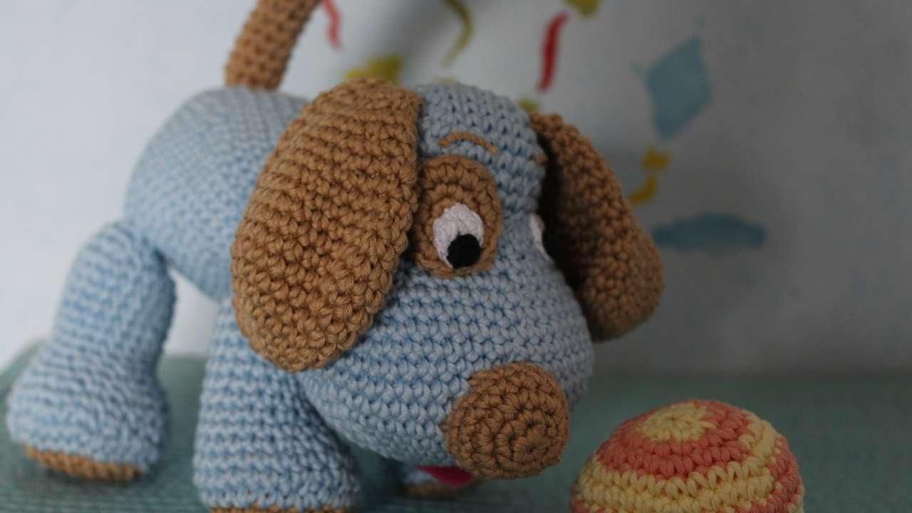 Amigurumi Tutorial Snoopy : How to crochet a cute toy dog diy crafts tutorial guidecentral