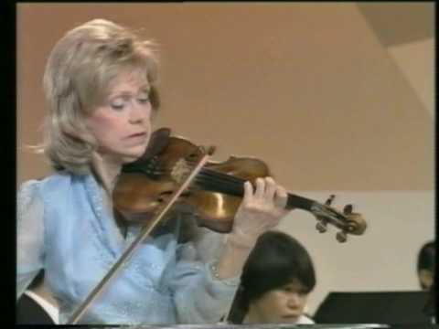 Lola Bobesco en concert 1