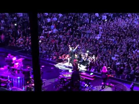 "Bruce Springsteen & The E Street Band ""Sherry Darling"""