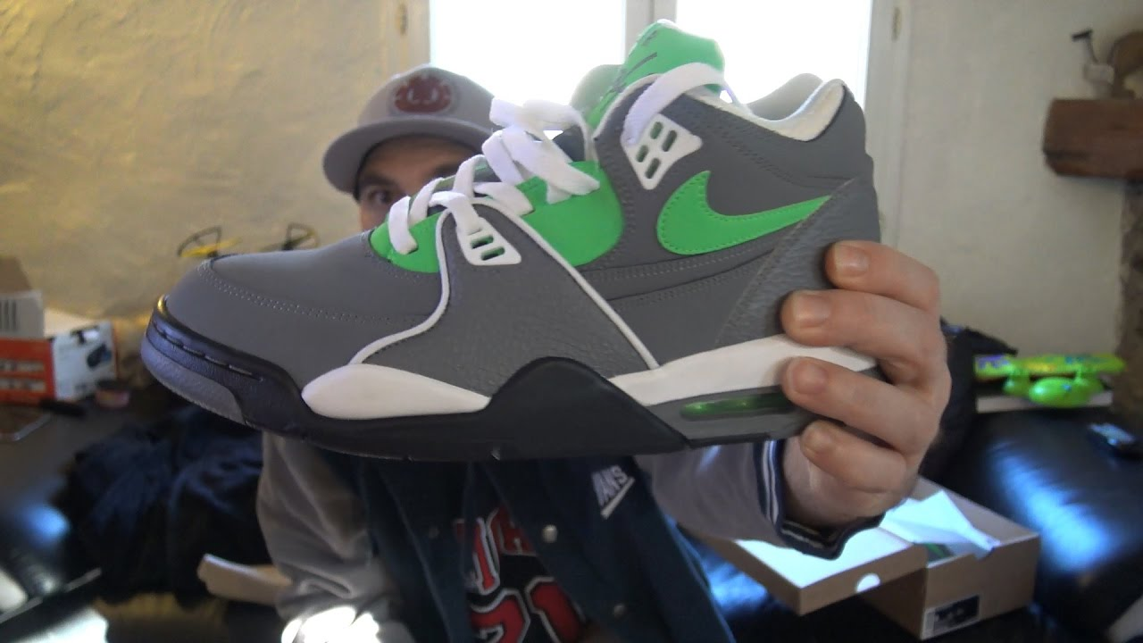 best website a3453 668f6 Nike Air Flight 89 Cool-grey green withe black