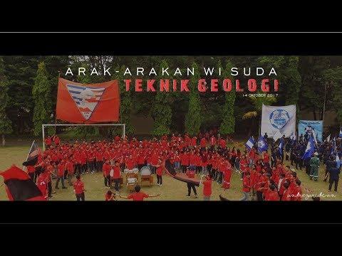 """Arak-Arakan Wisuda Teknik Geologi UPN """"Veteran Yogyakarta, 14 Oktober 2017"""