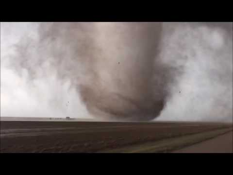 BREAKING!! Large and extremely dangerous tornado near Dodge City, Kansas !