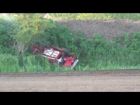 Wild Moments in Your Mod Lite Division Marshalltown Speedway 5/26/17