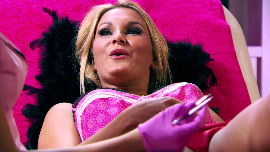 The Only Way Is Essex: Amy Childs Vajazzles Sam Faiers