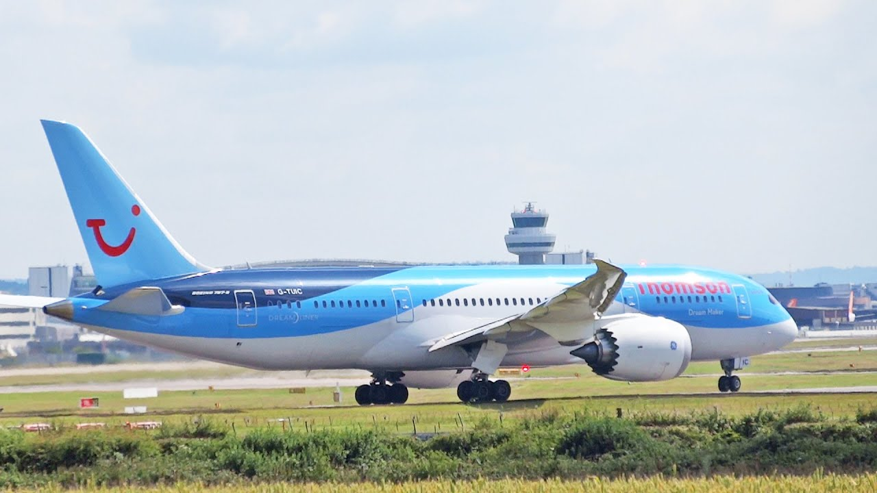 Thomson Airways Boeing 787 Dreamliner G-TUIC London Gatwick Take Off ...