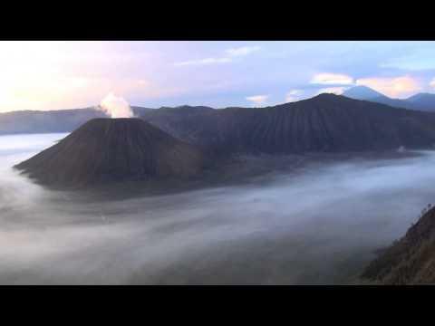 Bromo Volcano - bromo volcano eruption 2015