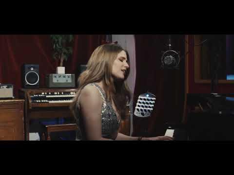 """""""Como é grande o meu amor por você"""" - Roberto Carlos - ENGLISH VERSION by LAURA RIZZOTTO"""