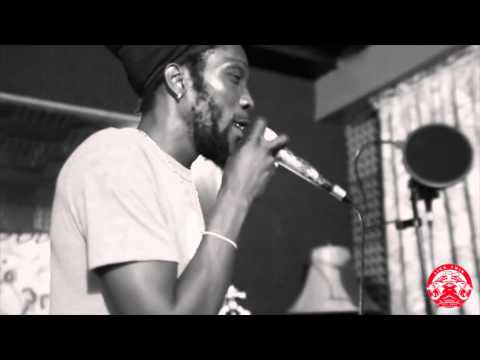 Marlon Asher - Love Of Jah/Fit and Strong Live(Home Grown Mix-Tape)