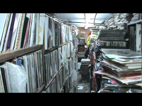 """Record Store Walking Tour #11 ~ """"The Thing"""" (Brooklyn NYC)"""