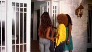 Смотреть клип Shaggy Feat Rik Rok - Bonafide Girl
