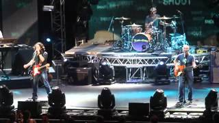 Tears For Fears - Shout (Live in Manila) 10 August 2012