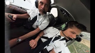 360 degree camera: Lufthansa Aviation Training EFA Diamond DA42 UNUSUAL ATTITUDES! [AirClips360] thumbnail