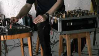 Performance sonore de Jason Kahn & Scillia Lorage