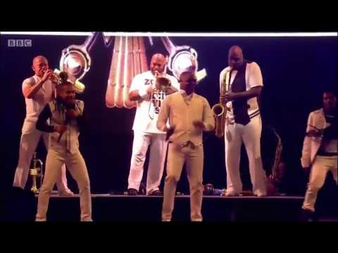 Earth, Wind & Fire Live Concert 2017