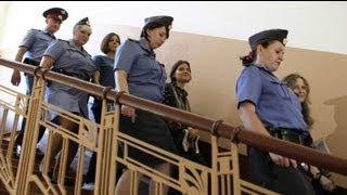 Приговор Pussy Riot огласят 17 августа(http://ru.euronews.com/ Оглашение приговора участницам панк-группы Pussy Riot, обвиняемым в хулиганстве, начнется 17 август..., 2012-08-08T12:41:40.000Z)