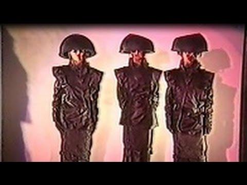 ANDROMEDA Fashion Show futuristic fiction 1984
