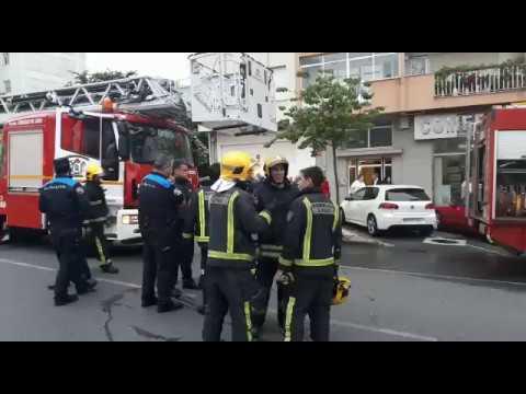 Incendio en un edificio de la Avenida da Coruña