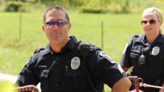 Gambar cover Apple Valley Police Lip Sync Challenge