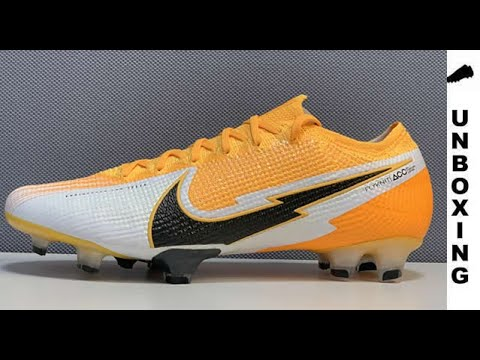 COMPARE : Nike Mercurial Superfly 7 Pro FG vs Nike Mercurial Superfly 7 Elite FG from YouTube · Duration:  54 seconds