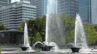 Wadakura Fountain Park in Tokyo (和田倉噴水公園 夏)
