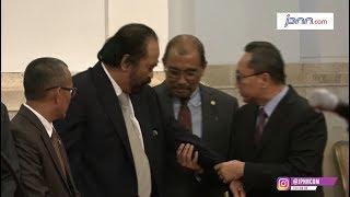 Surya Paloh dan Zulkifli Hasan Terpantau Berdebat di Istana - JPNN.COM