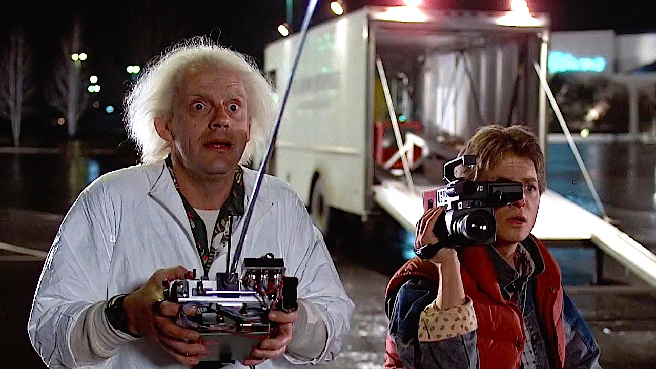 back to the future Back to the future is a 1985 american comic science fiction film it was directed by robert zemeckis, written by zemeckis and bob gale, produced by steven spielberg, and stars michael j fox, christopher lloyd, lea thompson, crispin glover and thomas f wilson fox plays marty mcfly, a teenager.