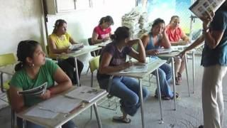 Maestra presa enseña inglés a reclusas en Ciudad Juárez