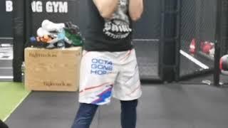 Нырок и хук в голову. Шаг за шагом - техника бокса от Лилии Дурневой