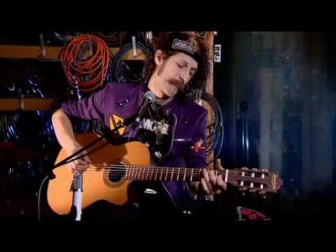 Eugene Hütz from Gogol Bordello - Alcohol (acoustic)