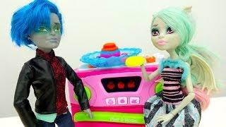 Торт для Монстер хай Рашель и Гарета. #пластилин плей До и игры готовить. Видео для девочек