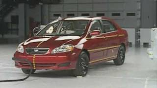 2005 Toyota Corolla side IIHS crash test