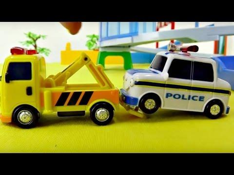 Oyuncak arabalar - Acil durum araçları - Ambulans, çekici ve itfaiye arabası iş başında