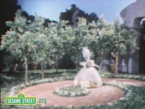 Sesame Street: Queen Of 6