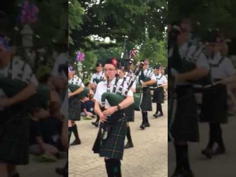 Warrenville July 4th Parade 2017 - Tunes of Glory Pipes and Drums