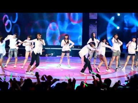 JKT48 - Shiroi Shirt Megakonser RCTI [fancam edit]