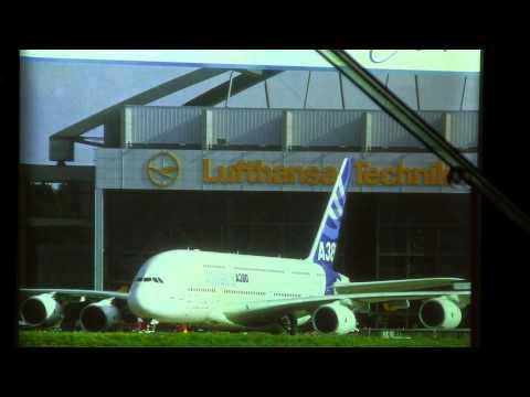 Flughafen Hamburg Modellschau Show