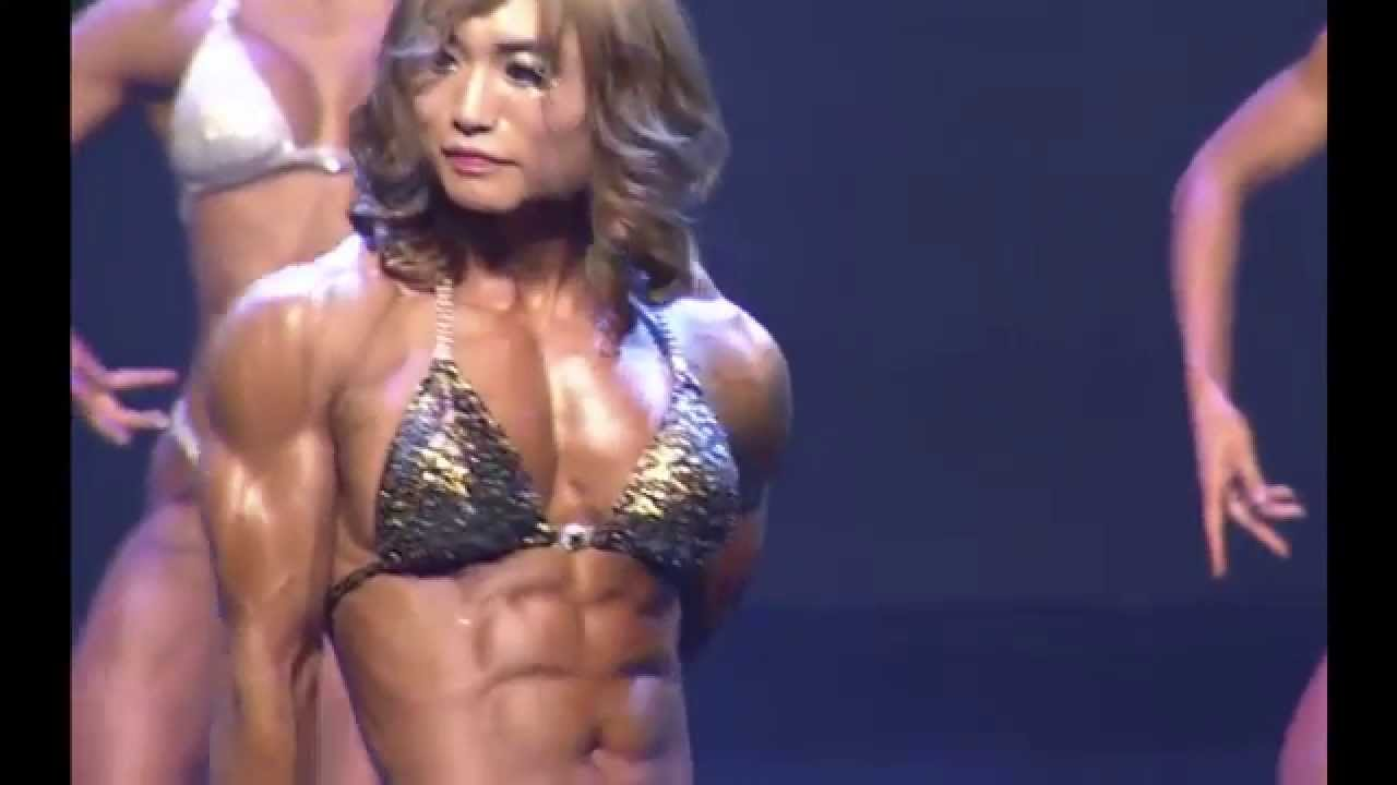 3 female bodybuilders play with each other 2