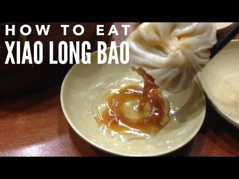 How to eat a xiao long bao