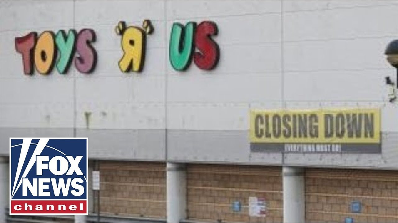 Toys R Us Closing Sign : Toys 'r us is closing its doors youtube