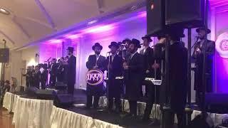 Shiru Chadushu Song, On Stage With Dovi Meizels, Yiddish Naches & Yedidim Choir