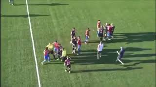 Капитан сборной КР по футболу бросил противника на прогиб прямо на поле