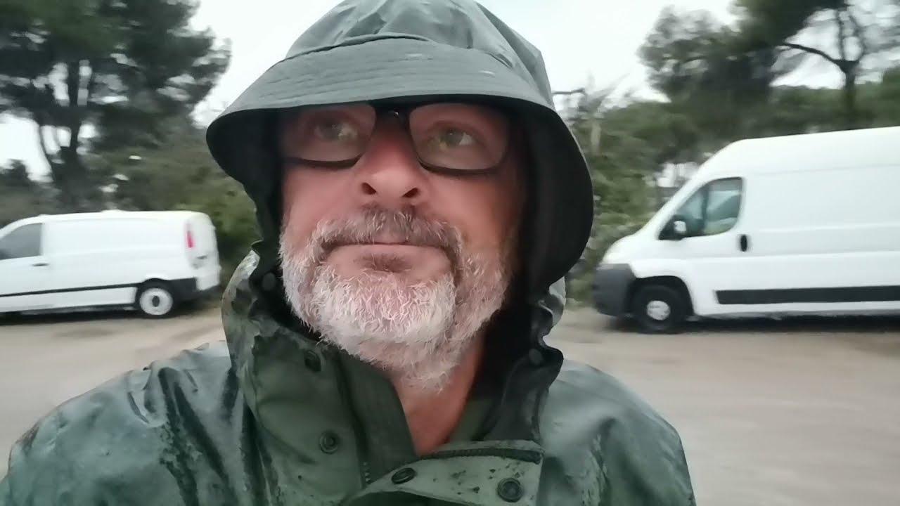 Carte postale : jour de pluie sur Ibiza