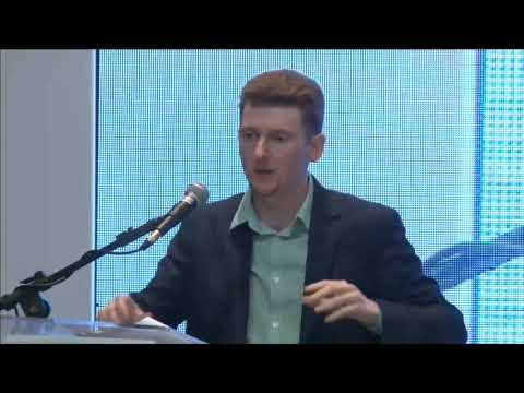 Oil & the Rise of the Soviet Union - Caleb Maupin in Brazil (English/Portuguese)